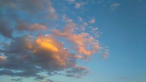 lotnicze jasne chmury wcześnie segregują puszystego lekkiego ranek halnego panoramy nieba halnego xxl Zdjęcie Royalty Free