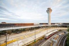 lotniczy Amsterdam kontrolny międzynarodowy Schiphol wierza ruch drogowy Fotografia Royalty Free