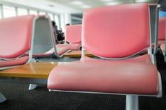 Lotnisk siedzenia Dostępni W czekanie terenie Zdjęcia Stock