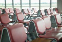 Lotnisk siedzenia Dostępni W czekanie terenie Obrazy Royalty Free