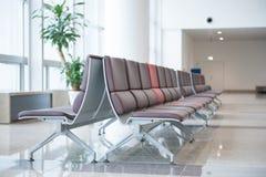 Lotnisk siedzenia przy lotniskiem Obraz Royalty Free
