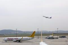Lotnisko pasa startowego Pegasus płaskie linie lotnicze Obraz Royalty Free