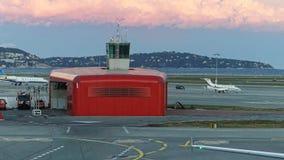 Lotnisko strażacy i wierza Zdjęcia Stock