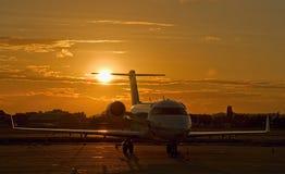 Lotnisko zmierzch zdjęcie royalty free