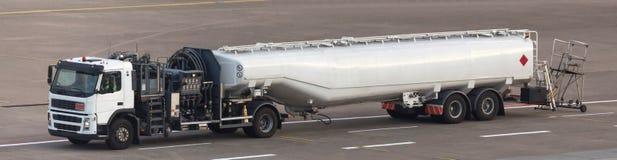 Lotniskowa benzyny ciężarówka obrazy stock