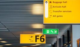 Lotniskowy brama znak Obrazy Royalty Free