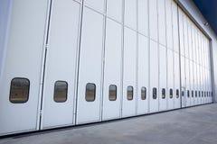 Lotniskowy hangar od outside Zdjęcie Stock