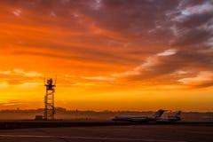 Lotniskowy wschód słońca Fotografia Royalty Free