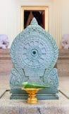 Loto bianco elaborato per culto buddha fotografie stock