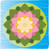 Lotos-Blume mit Blatt auf Wasser Stockfotografie