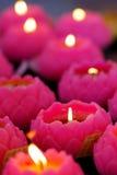 Lotos-geformte Kerzen Stockbilder
