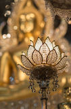 Lotosowa lampa i Buddha statua tło Obrazy Royalty Free
