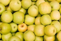Lots Äpfel Stockfotos