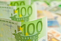 Lott av eurosedlar - stor summa av pengar Arkivbilder