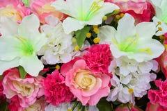Lott av konstgjorda blommor Royaltyfri Fotografi