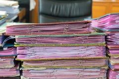 Lott för utövande tabell av papper för arbetsdokument Fotografering för Bildbyråer