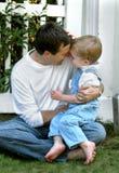 Lottando con il papà Fotografia Stock