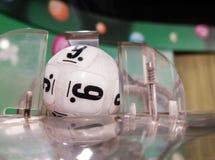 Lotteriebälle während der Extraktion Lizenzfreie Stockfotografie