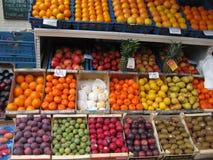 lotti della frutta fotografie stock