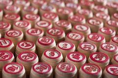 Lotto настольной игры Деревянные бочонки lotto для lotto игры Intertainment группы, отдых семьи Винтажная игра Страсть и везение стоковое изображение rf