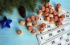 Lotto настольной игры с картой и бочонками стоковое изображение
