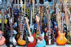 Lotto delle chitarre Immagini Stock Libere da Diritti