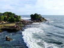 Lotto di Tanah, punto di riferimento della spiaggia di Bali, Indonesia fotografia stock libera da diritti