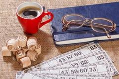 Lotto för brädelek på säckväv Trälottotrummor och modig bil Fotografering för Bildbyråer