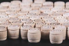 Lotto russo su un fondo di legno Gioco del lotto Vista superiore immagini stock libere da diritti