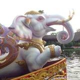 Lotus που λαμβάνει το φεστιβάλ - παράδοση τοπικών ανθρώπων σε Samutprakran σε Samutprakran, Ταϊλάνδη στοκ φωτογραφίες με δικαίωμα ελεύθερης χρήσης