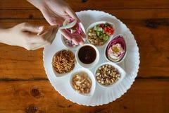 Lotus Blad-slogg in thai mat fotografering för bildbyråer