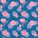 Lotus blommor och sidor och lockiga vattenvågor, den sömlösa modelldesignen, hand målade vattenfärgen på blå bakgrund Arkivbilder