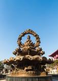 Lotus Buddha staty Arkivbild
