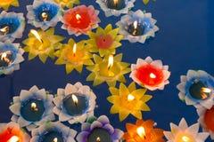 Lotus Candle in tempio tailandese Fotografia Stock