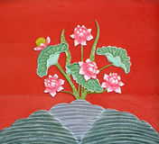 Lotus-Carvings auf dem Holz Lizenzfreies Stockfoto
