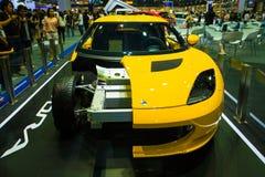 Lotus com exposição do motor da mostra na fase Fotos de Stock