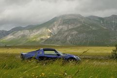 Lotus Elise - gran sasso national park lateral view Royalty Free Stock Photography