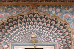Lotus Gate på Chandra Mahal, Jaipur stadsslott fotografering för bildbyråer
