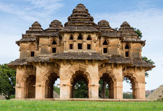 Lotus Mahal des ruines de Hampi Photo stock