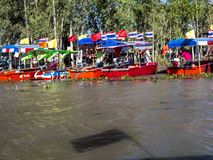 Lotus-Meer und -boot stockbild
