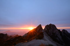 Lotus Peak Sunrise, Huangshan-Berg Royalty-vrije Stock Fotografie