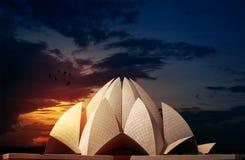 Lotus Temple Delhi India Dramatic-Hemel Royalty-vrije Stock Afbeeldingen