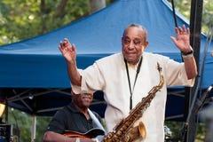Lou Donaldson bei Charlie Parker Jazz Festival in Manhattan Lizenzfreie Stockfotos