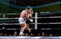 Lou Jim Porcelanowy i Jean Nascimento Brazylia w Tajlandzkiej walce Dumnej być Tajlandzki Zdjęcie Stock