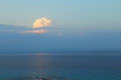 Louds ¡ Ð над морем стоковые фото