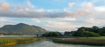 Lough Leane - sjön Leane - på cirkeln av Kerry på den Killarney Irland iren arkivbild