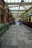 Loughborough-Hauptbahnhofs-Plattform 1 lizenzfreie stockbilder