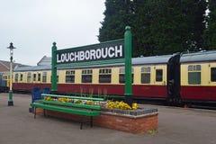 Loughborough-Hauptbahnhofs-Plattform 1 lizenzfreie stockfotografie