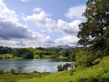 Loughrigg distrito del Tarn, lago Fotos de archivo