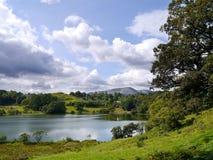 Loughrigg Tarn, Jeziorny okręg Zdjęcia Stock